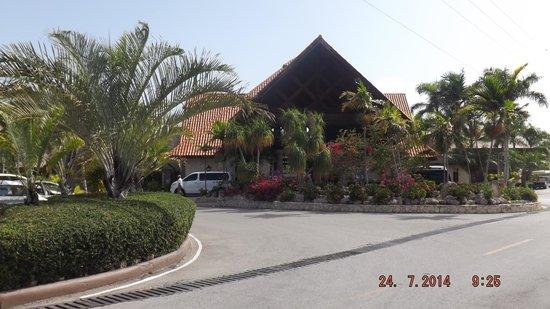 IFA Villas Bavaro Resort & Spa : Entrée principale de l'hotel