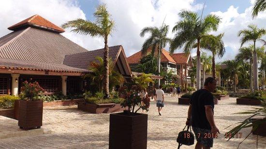 IFA Villas Bavaro Resort & Spa : Restaurant principal en buffets, sur la gauche directement en sortant de la réception et près de