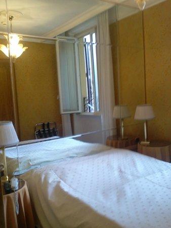 Marcella Royal Hotel: La chambre