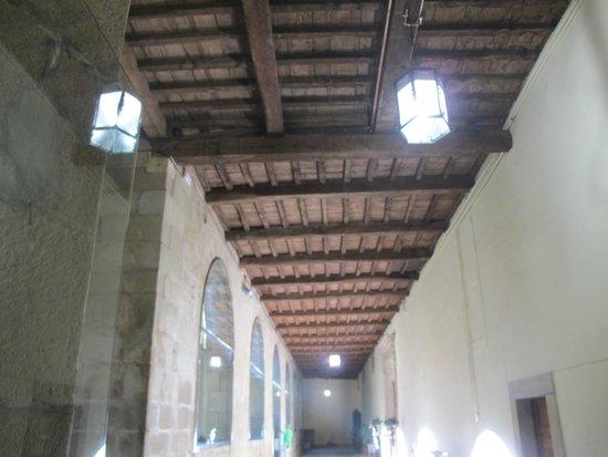 Hospederia San Martin Pinario: Vista de los cielorrasos de madera