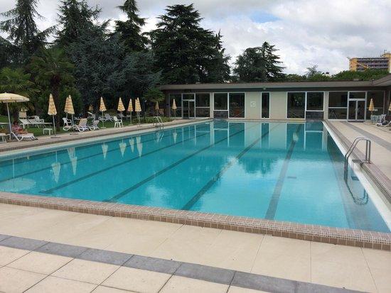 Continental Terme Hotel: La piscina per il nuoto