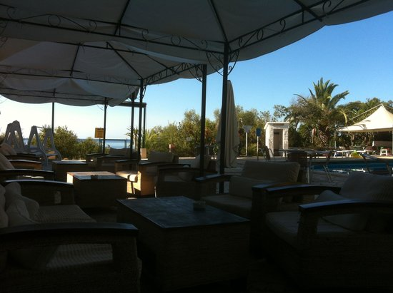 Hotel Abamar: бар у бассейна