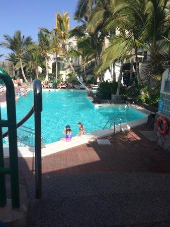 Hotel Altamar: Pool area