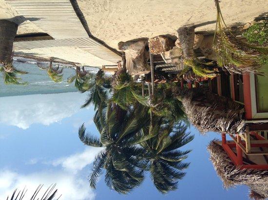 Robert's Grove Beach Resort: The main restaurant on site