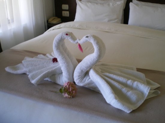 Encantada Casa Boutique Spa: Towels on our bed...