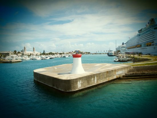 Royal Naval Dockyard: Royal Navy Dockyard