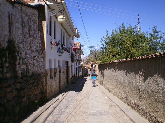 Encantada Casa Boutique Spa : Street outside the hotel (in San Blas district)