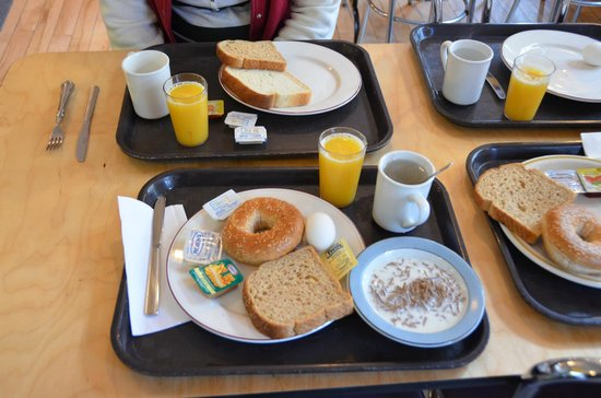 HiQuebec, Auberge Internationale de Quebec: a rich, healthy breakfast to start the day!