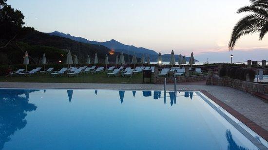 Hotel Biodola: tramonto dalla sala da pranzo