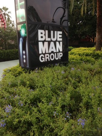 Blue Man Group: Signs on pathway to theater