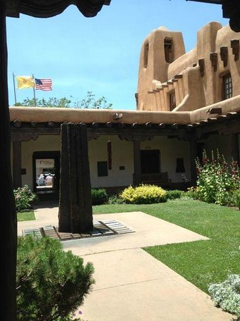 New Mexico Museum of Art: Nice example of the New Mexico architecture