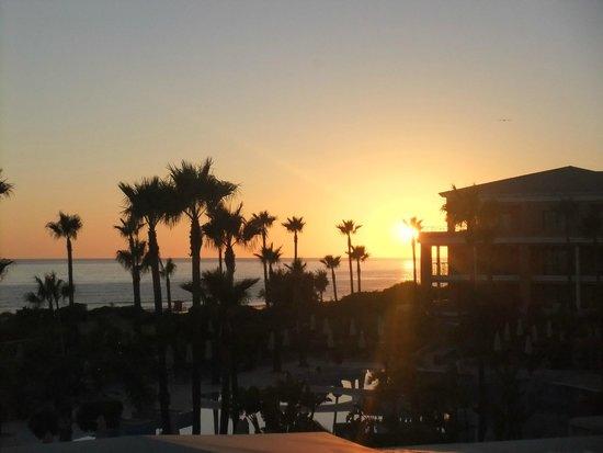 Hipotels Barrosa Palace & Spa: Traumhafter Sonnenuntergang / Ausblick aus unserem Zimmer!