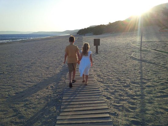 Blue Lagoon Resort: Beach at Sunset