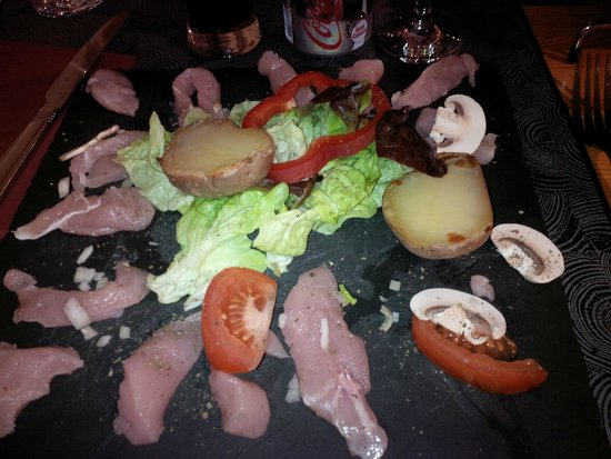 L'Ancree des Artistes: The whole dish comprised raw and cooked!