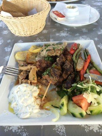 Restaurant Alexandros: Mixed grill Mykonos.