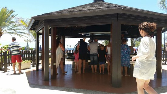 Hotel Grand Teguise Playa: out side cooking every other day