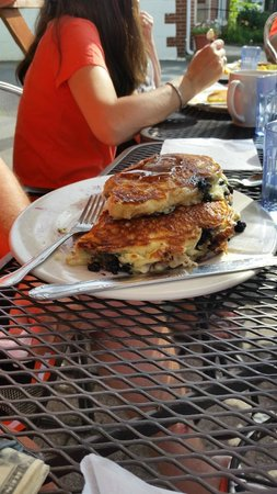 """Sweet Sue's: A """"short stack"""" of pancakes!"""