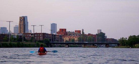 H2O Adventures : Moment de détente sur le canal en kayak,après le travail (avec Aventures H20)