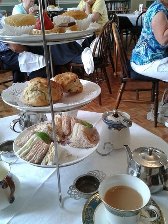 Riseley Village Tea Room: Afternoon tea selection