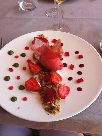 Château de Besseuil : Dessert fraises