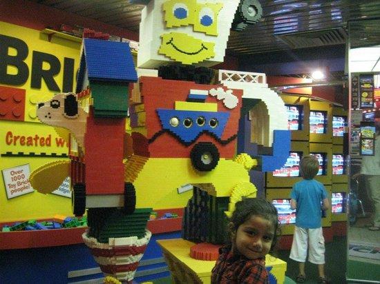 Niagara Falls: Lego Land