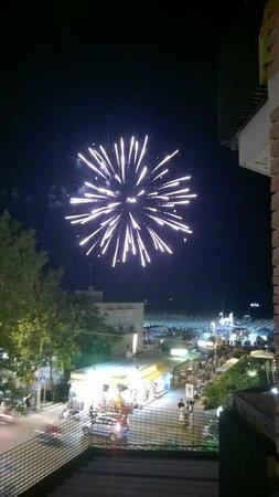 Hotel 2000: serata con fuochi d'artificio