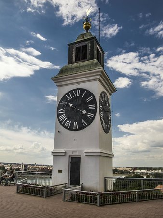 The Clock Tower: davanti all'orologio