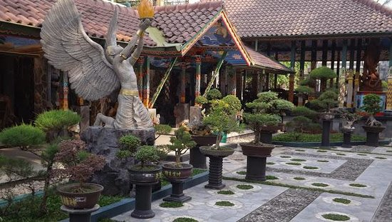 Omah Eling Guest House, Cafe and Art Gallery