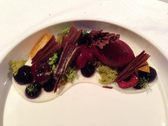 Silvio Nickol Gourmet Restaurant Palais Coburg: Ciliegia