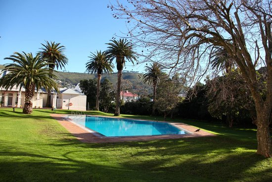 Belmond Mount Nelson Hotel: Beautiful grounds!