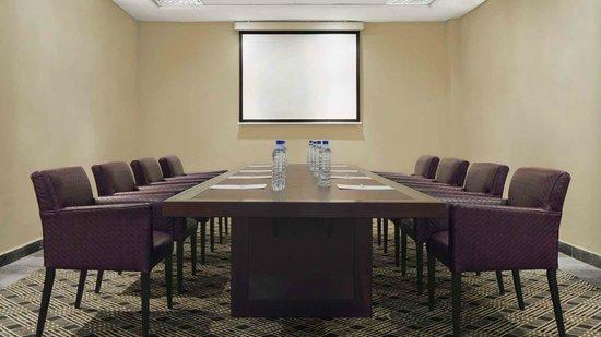 Le Meridien Ibom Hotel & Golf Resort: Meeting Room