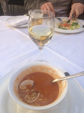 Trobador Rambla Catalunya : soupe de poissons