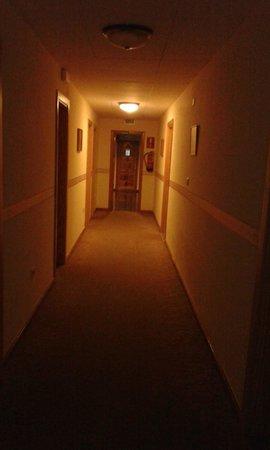 Don Manolito Hotel: korytarz