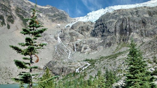Joffre Lakes Provincial Park : Where the river starts