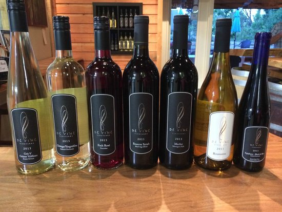 de Vine Vineyards: Just a few of the many selections