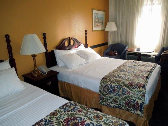 Sandman Hotel : Double queen room