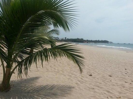 The Silver Beach Hotel: Peacefull beach