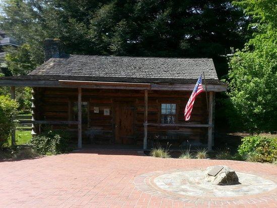 Job Carr Cabin Museum