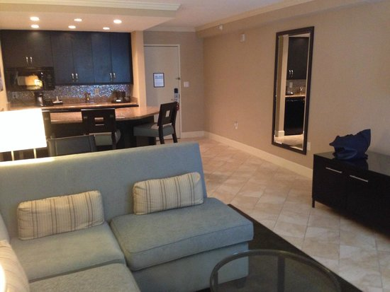 Crowne Plaza Orlando Downtown : Roomy King Suite