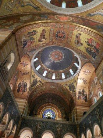 Cathedral Basilica of Saint Louis: 75 anos de trabalho!