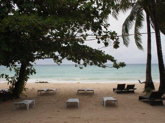 Surfside Boracay Resort & Spa: レストラン渚から見える海