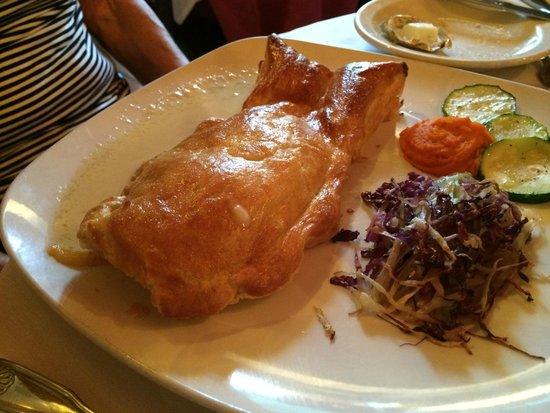 Le Refuge Restaurant: Salmon en Croute