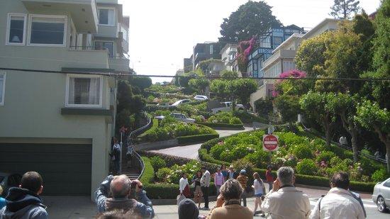 Lombard Street: la rue Lombard aux 8 virages