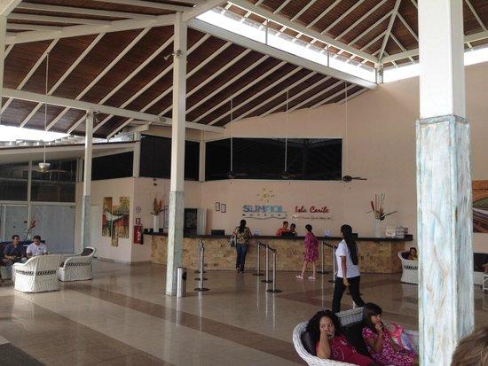 Isla Caribe Beach Hotel: Lobby