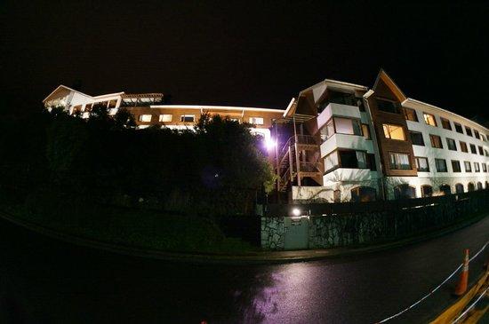 Cabaña del Lago Hotel: Vista do hotel pelo Lago Lhanquihue