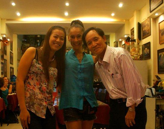 Mandarin Cafe: Mr.Cu and niece