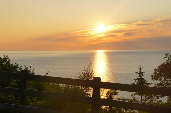 Forillon National Park: sunrise at cap bon-ami