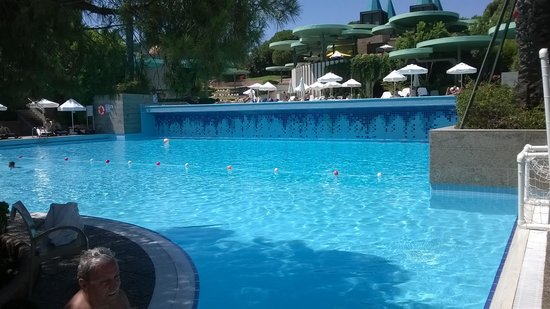 Gloria Verde Resort and Spa: Der Pool