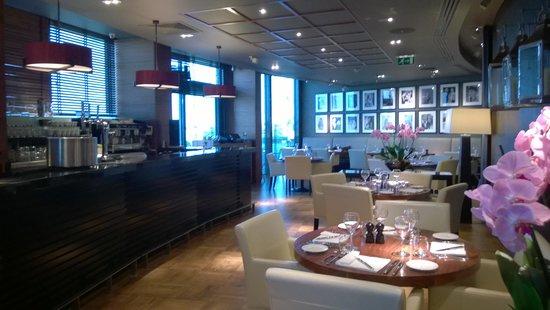 Aviator Brasserie : a feel of quality
