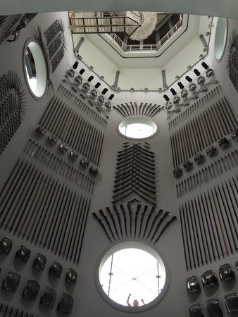 Royal Armouries Museum: Lots of swords and guns...not all of them very interesting